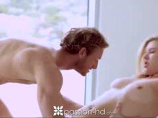 Passion-hd blonda adolescenta sucks guy ca el shaves