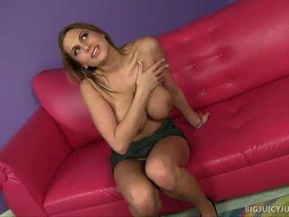 Alanah rae s μεγάλος βυζιά jiggle κατά την διάρκεια σεξ
