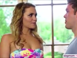 Babe Mia Malkova Takes A Blowjob Lesson