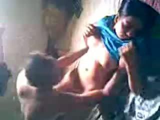 Desi หมู่บ้าน หญิง ได้รับ ระยำ โดย lover ซ่อนเร้น