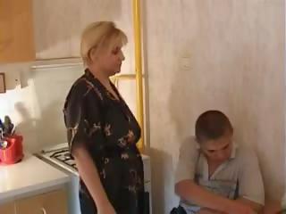 Nav reāls māte un dēls, bezmaksas saggy bumbulīši porno d7