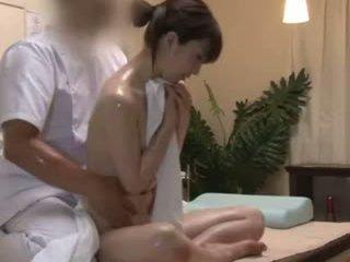 Spycam reluctant teengirl seduced με masseur