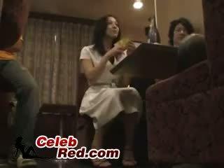 Borracha japonesa chica follada en bar lavabo borracha