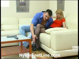 Alice dan nicholas kaus kaki stoking footsex tindakan