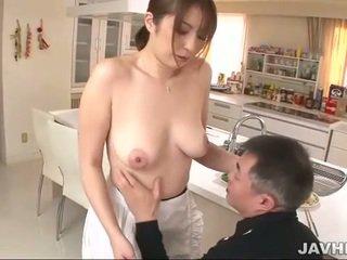巨乳 日本語 does boobjob