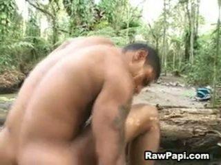 Latijn hunk met stoutmoedig wazoo barebacking op top en cumshots
