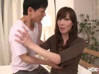 Секси японки reiko fucks към получавам а съвършен score