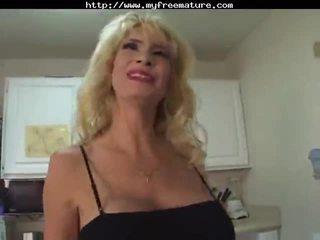 Bangin A Sexy Mum mature mature porn g...