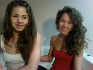 Erotisks izstāde poļi teenagers dvīņi (dziewczynka17 no showup)