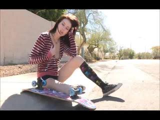 Aiden onto ال شارع skateboarding و تعري bare