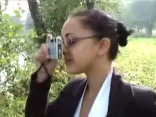 Jeune fille se fait baiser en forãƒâªt. -