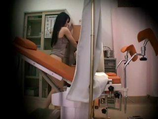 Gynecologist ẩn spycam