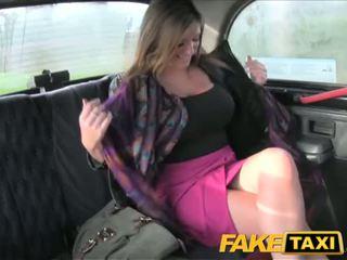 Faketaxi grand seins nana takes elle à partir de derrière - porno vidéo 591
