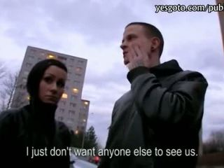 Tjekkisk kjæreste lucie threeway til kontanter