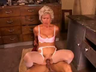 Grany fucked hard from young oglan video
