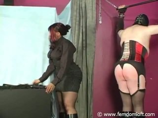 Nubian Domme Whipping