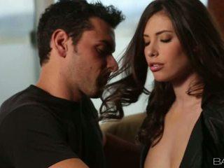 Insanely seksualu casey calvert gets pakliuvom apie sofa video