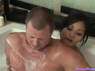 An unusual massage nach taking ein tub zusammen