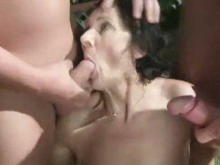 Urineren fetisj oma amateur loves urineren orgie