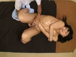 Beauty parlor massage spycam