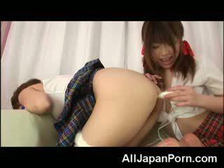 Asiatique filles lesbienne anal!