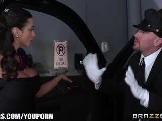 Brazzers - ariella ferra gives henne driver en ride