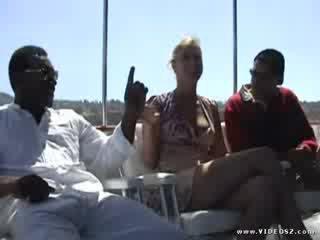 Aaralyn barra - inter rasial gaoz futand patrol 2 scenă 1