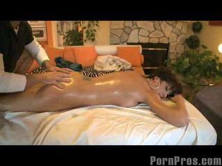 Orgasms 上の マッサージ テーブル