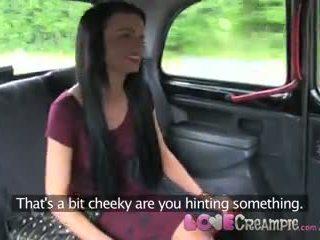 愛 體內射精 london 懶婦 cheats 上 boyfriend 同 taxi driver 為 現金