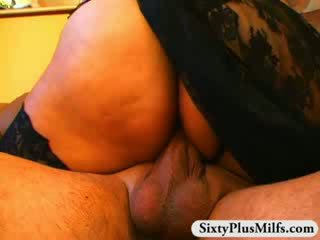 Basah dewasa alat kemaluan wanita pounding