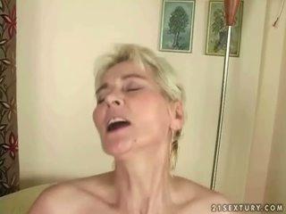 Ragazzo fucks caldi nonnina