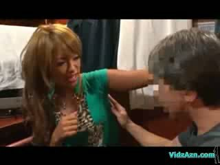 Iedegošas meitene getting viņai paduse ķermenis analhole un puss licked par the mattress uz the cabin