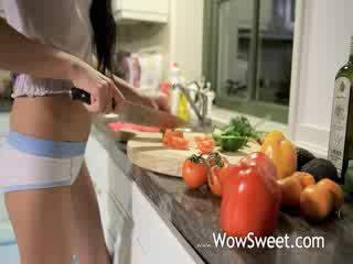 Unreal agurk i henne stram hole
