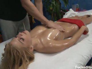 Carmen seksi seks minyak pijat