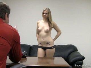 Blond stripper gefickt im heiß talentsuche