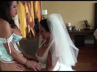 Pm - लेज़्बीयन ब्राइड और bridesmaid द्वारा kr