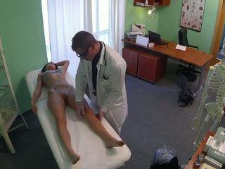 令人驚嘆 pole dancer 性交 由 醫生 在 fake