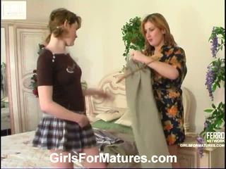 Elisabeth Ninette Pussyloving Mom In Action
