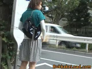 Babes kuritarvitatud onto the buss