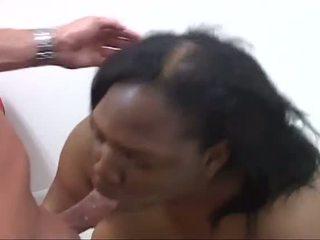 Porner premium: phat perempuan hitam zakar/batang suckers menghisap lain hitam dicks !