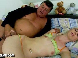 Alexa salvaje parties con gorda más viejo guy