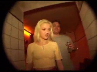 Schnuckel bea gets baisée en la cul en kit kat club berlin