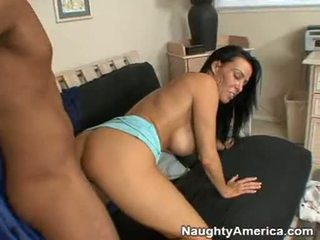 Pornstar Vanilla Deville Getting Stabdaybed With A Huge Knob From Her Behind