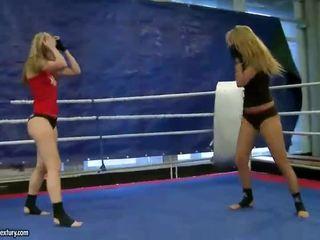 lesbisch, meer lesbische strijd neuken, muffdiving scène
