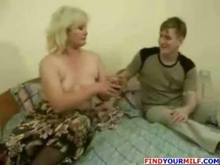 רוסי בוגר אמא שאני אוהב לדפוק 8