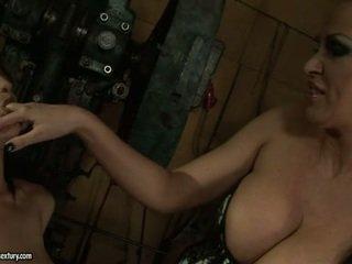 brunette porno, alle lesbiennes, controleren lesbo film
