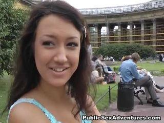 online brunette, een realiteit, mooi jong mov