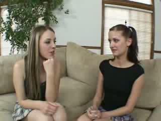 Лесбіянка schoolgirls finger і лизати