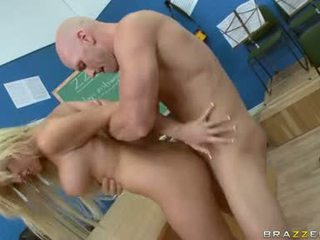 Tasha Reign Can't Live Without Massive Meat Drilling In Her Pussy