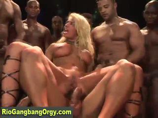 Sexy latina mami takes kuk